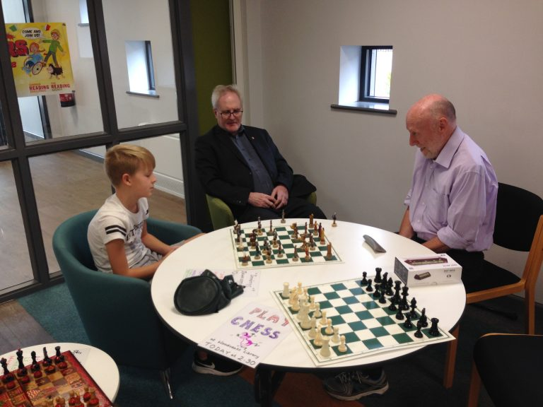 Read more about the article Chess in Woodseats Library