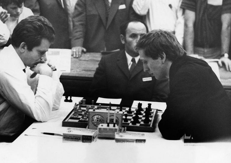 Read more about the article World Championship Chess at Woodseats Library
