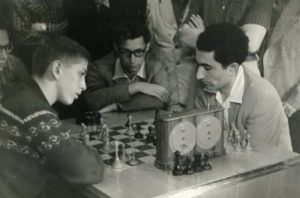 Petrosian plays blitz!